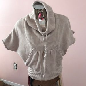 Kangaroo pocket sweater